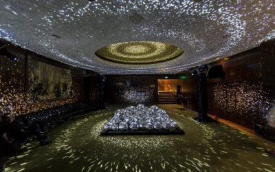 Fugas de Luz: Una exposición inmersiva que invita a meditar